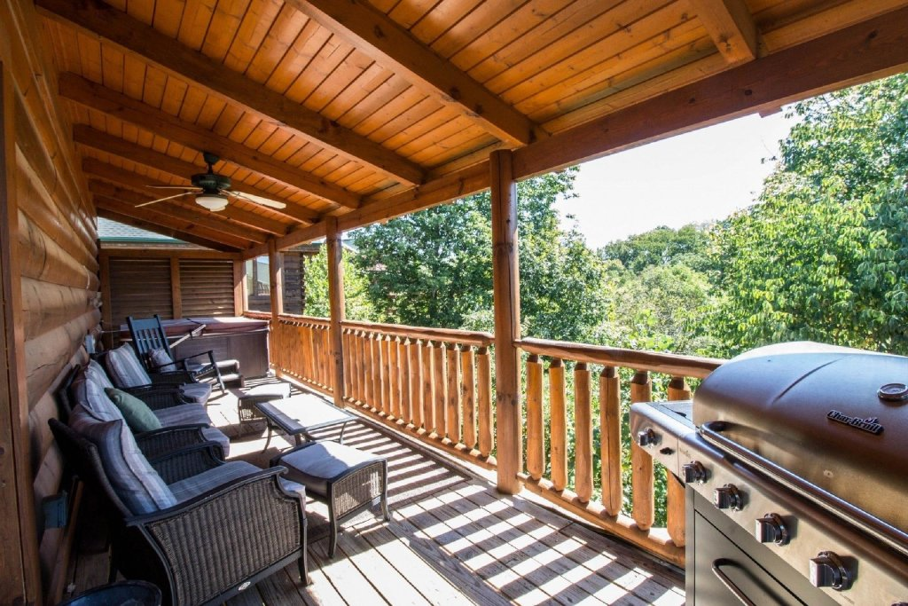 Photo of a Sevierville Cabin named Zip-a-dee-doo - This is the thirteenth photo in the set.