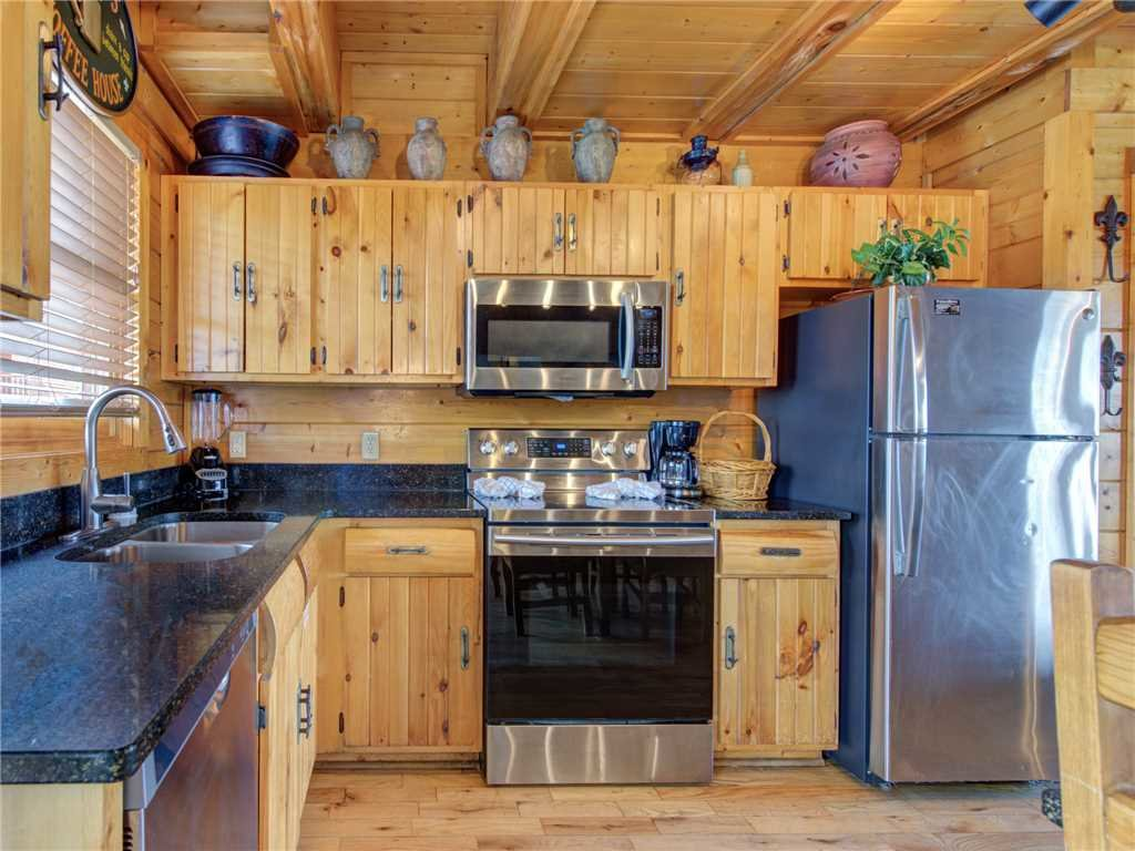Photo of a Sevierville Cabin named Mountaintop Lodge - This is the eighth photo in the set.