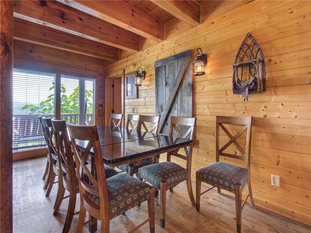 Photo of a Sevierville Cabin named Mountaintop Lodge - This is the sixth photo in the set.