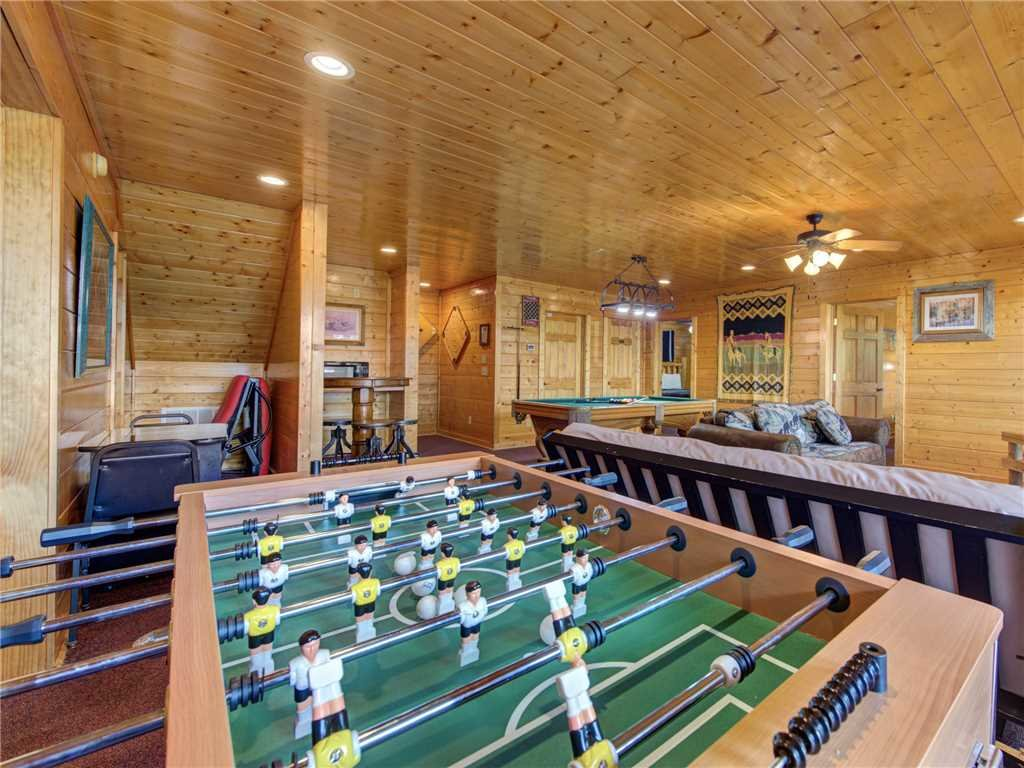 Photo of a Sevierville Cabin named Mountaintop Lodge - This is the ninth photo in the set.