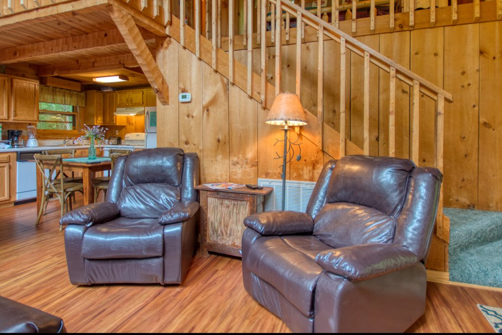 Photo of a Sevierville Cabin named Simply Serene #201 - This is the fourth photo in the set.