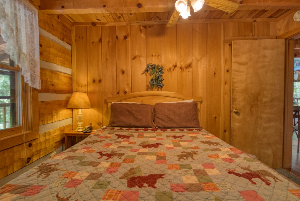 Photo of a Sevierville Cabin named Simply Serene #201 - This is the sixteenth photo in the set.