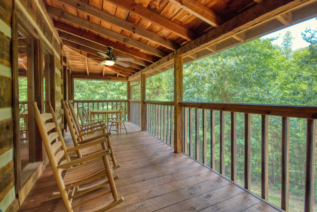 Photo of a Sevierville Cabin named Simply Serene #201 - This is the seventeenth photo in the set.