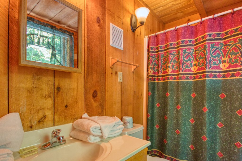 Photo of a Sevierville Cabin named Simply Serene #201 - This is the fourteenth photo in the set.