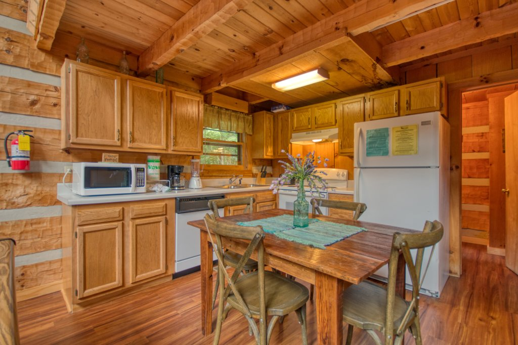 Photo of a Sevierville Cabin named Simply Serene #201 - This is the eleventh photo in the set.