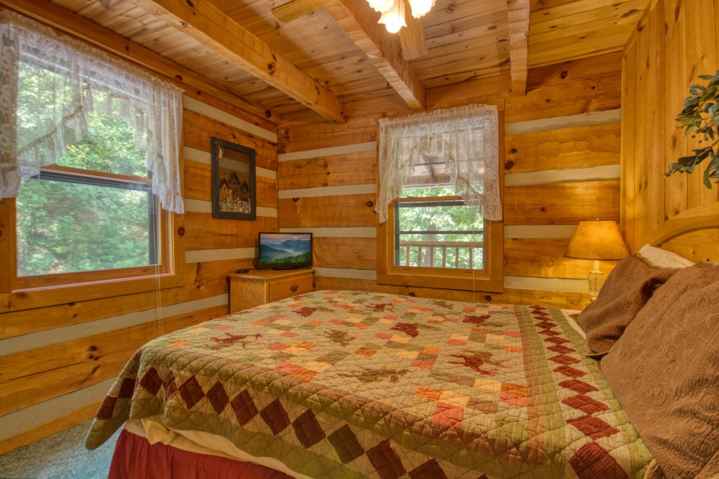Photo of a Sevierville Cabin named Simply Serene #201 - This is the fifteenth photo in the set.