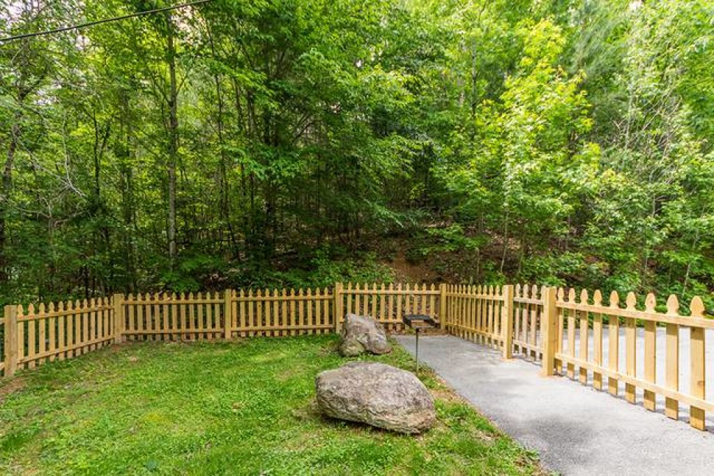 Photo of a Sevierville Cabin named Simply Serene #201 - This is the twenty-third photo in the set.