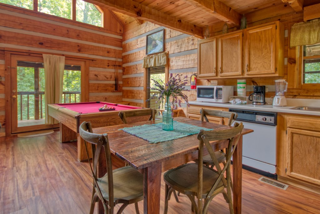 Photo of a Sevierville Cabin named Simply Serene #201 - This is the tenth photo in the set.