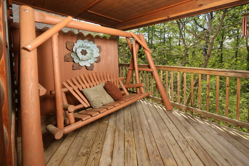 Photo of a Pigeon Forge Cabin named Smoky Mountain Getaway #435 - This is the forty-third photo in the set.