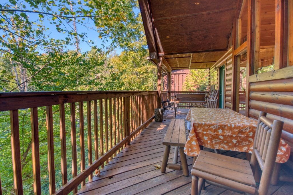 Photo of a Pigeon Forge Cabin named Smoky Mountain Getaway #435 - This is the thirtieth photo in the set.