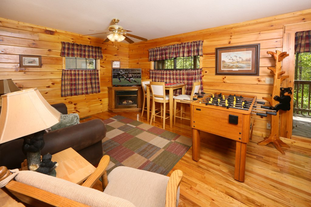 Photo of a Pigeon Forge Cabin named Smoky Mountain Getaway #435 - This is the thirty-sixth photo in the set.