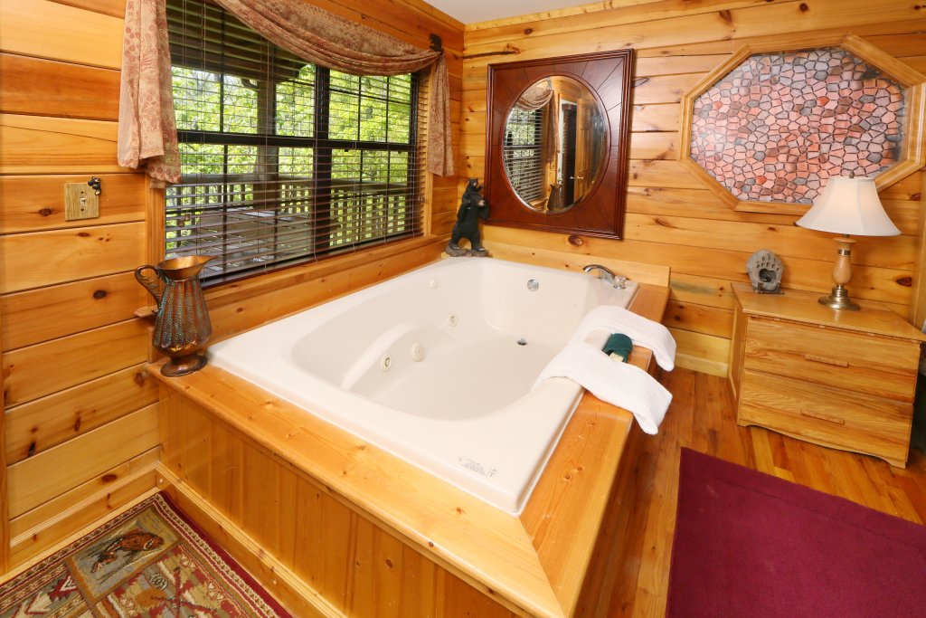 Photo of a Pigeon Forge Cabin named Smoky Mountain Getaway #435 - This is the thirty-eighth photo in the set.