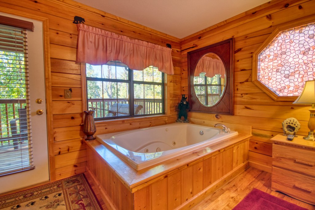 Photo of a Pigeon Forge Cabin named Smoky Mountain Getaway #435 - This is the sixteenth photo in the set.