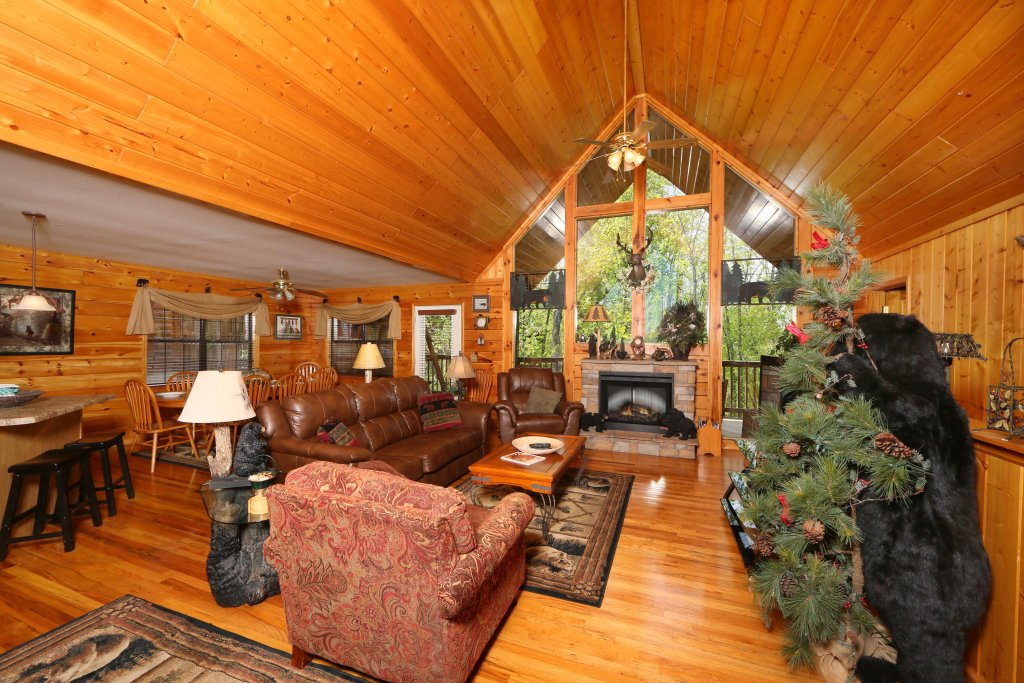 Photo of a Pigeon Forge Cabin named Smoky Mountain Getaway #435 - This is the forty-first photo in the set.