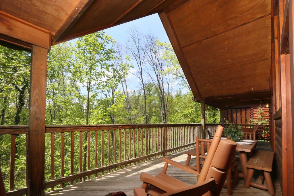 Photo of a Pigeon Forge Cabin named Smoky Mountain Getaway #435 - This is the forty-eighth photo in the set.