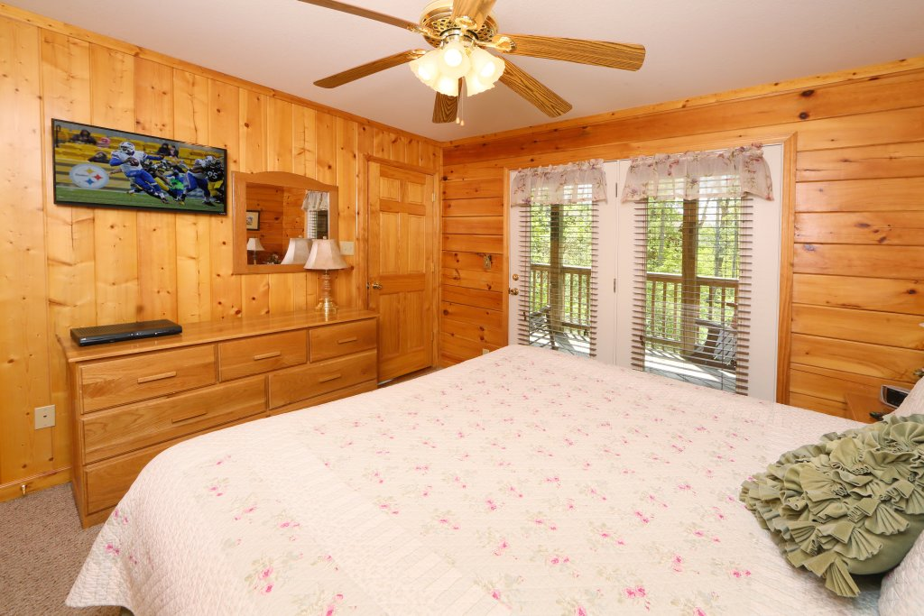 Photo of a Pigeon Forge Cabin named Smoky Mountain Getaway #435 - This is the forty-second photo in the set.