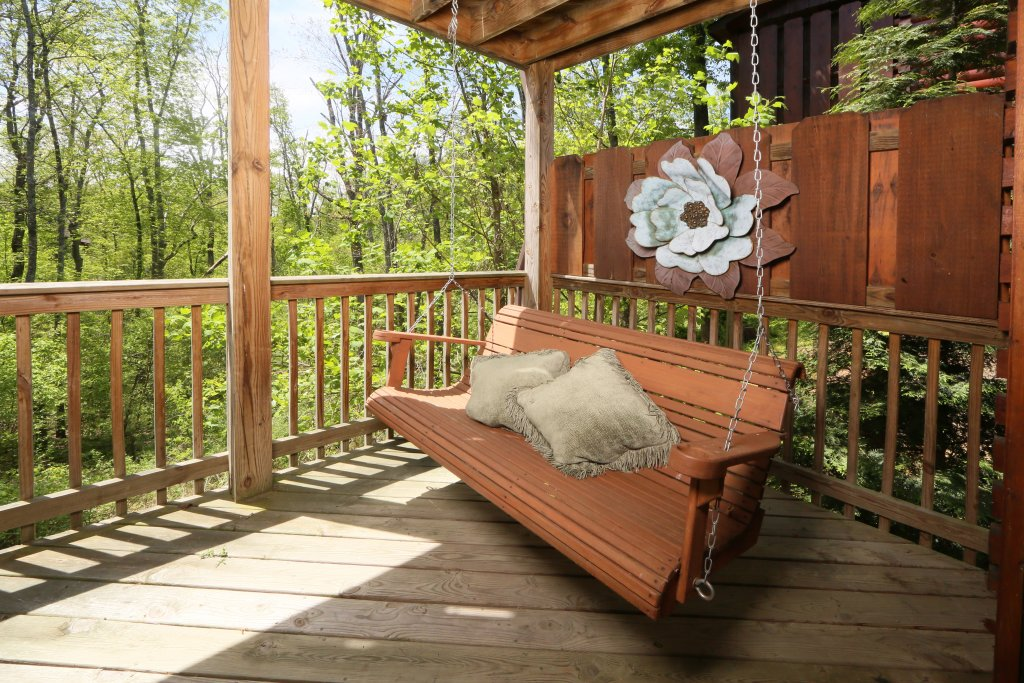 Photo of a Pigeon Forge Cabin named Smoky Mountain Getaway #435 - This is the forty-sixth photo in the set.