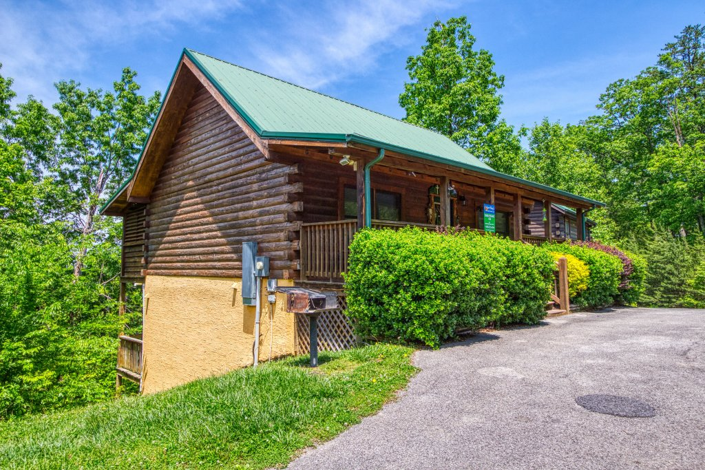 Photo of a Pigeon Forge Cabin named Shades Of The Past #230 - This is the twelfth photo in the set.