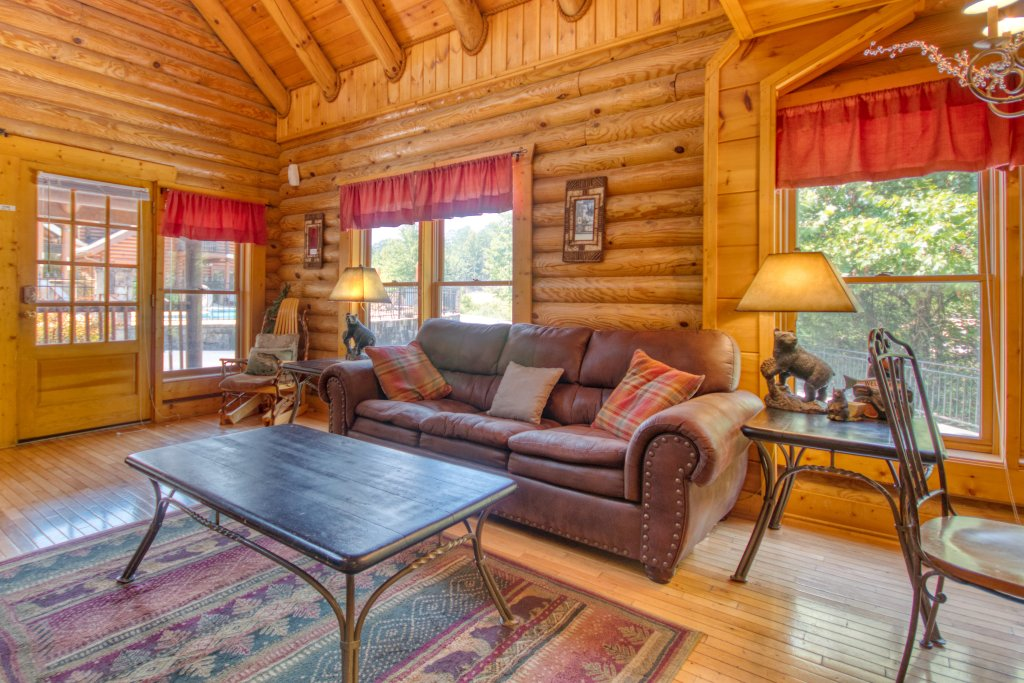 Photo of a Pigeon Forge Cabin named Cozy Bear Cove #288 - This is the fifth photo in the set.