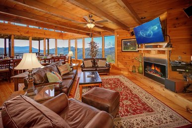 Majestic cabin with hot tub, game room, fireplace and unparalleled vistas