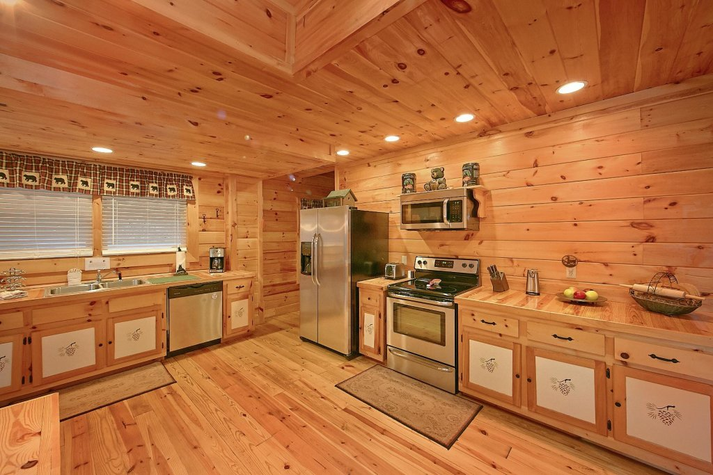 Photo of a Sevierville Cabin named Mountain Magic #73 - This is the sixth photo in the set.