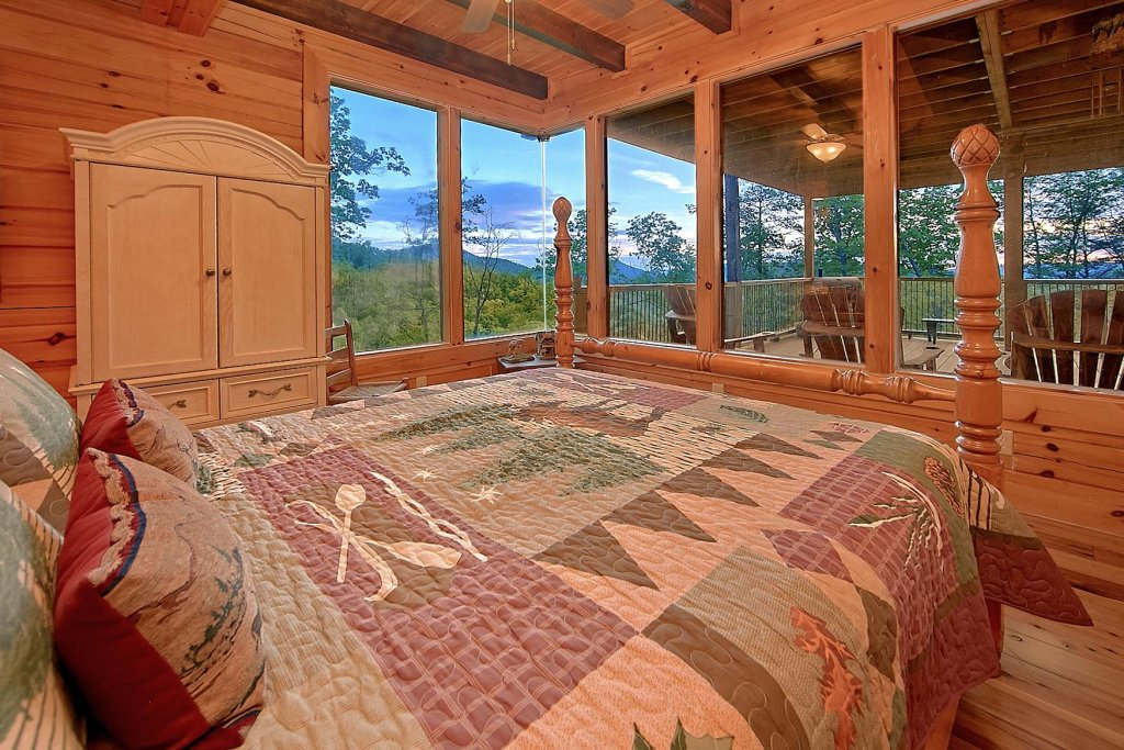 Photo of a Sevierville Cabin named Mountain Magic #73 - This is the tenth photo in the set.