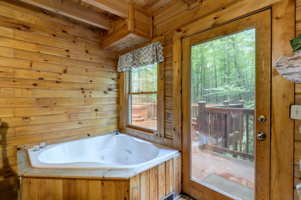 Photo of a Sevierville Cabin named Hook's Haven #2 - This is the fourteenth photo in the set.