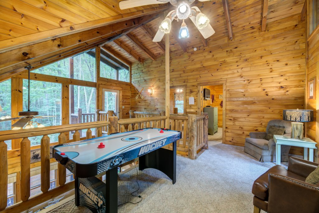 Photo of a Sevierville Cabin named Hook's Haven #2 - This is the twentieth photo in the set.