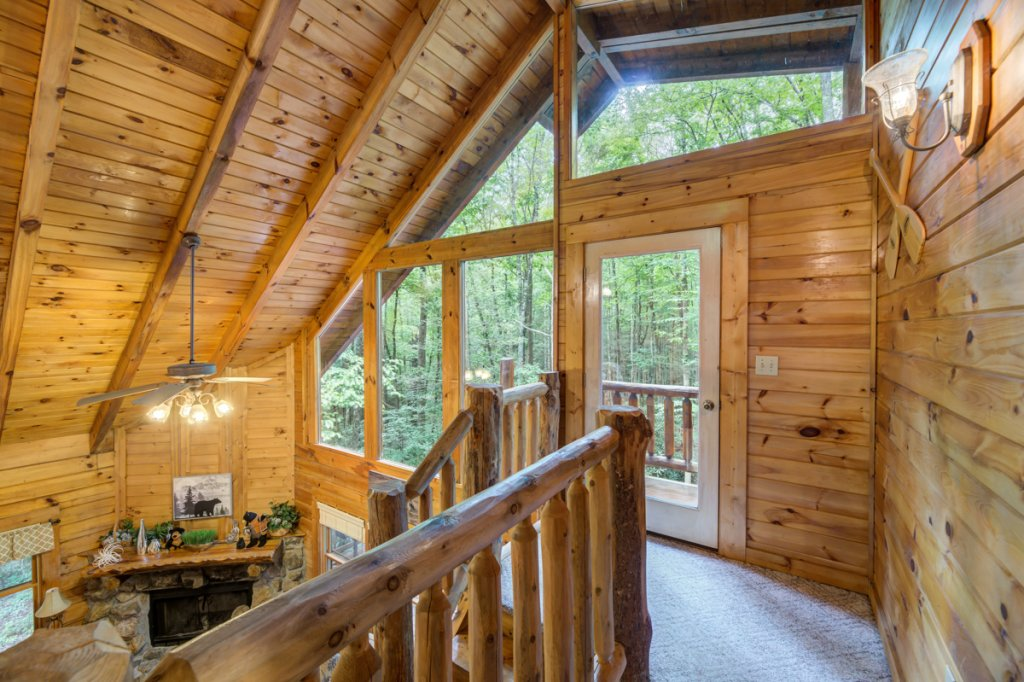 Photo of a Sevierville Cabin named Hook's Haven #2 - This is the twenty-second photo in the set.
