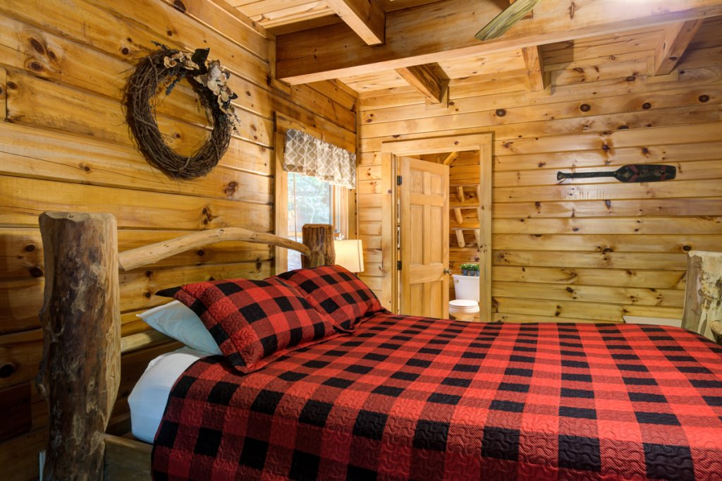 Photo of a Sevierville Cabin named Hook's Haven #2 - This is the thirteenth photo in the set.
