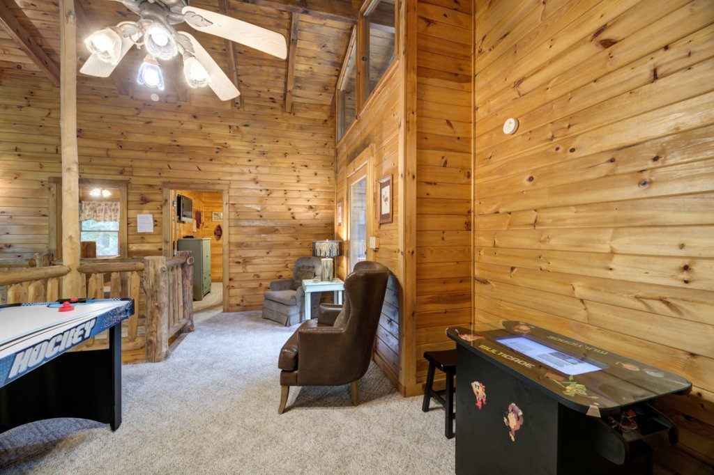 Photo of a Sevierville Cabin named Hook's Haven #2 - This is the nineteenth photo in the set.