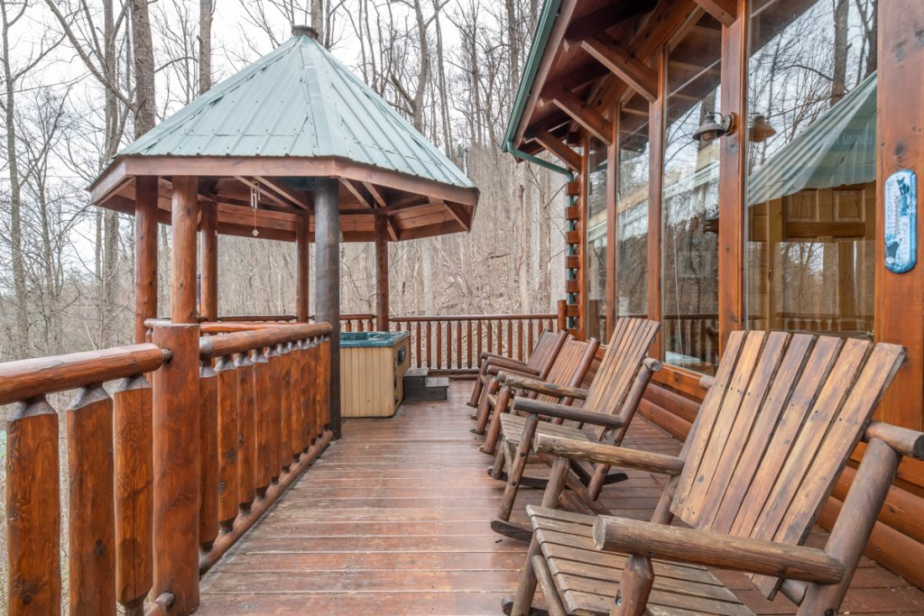 Photo of a Sevierville Cabin named Amazing Grace #25 - This is the twenty-seventh photo in the set.