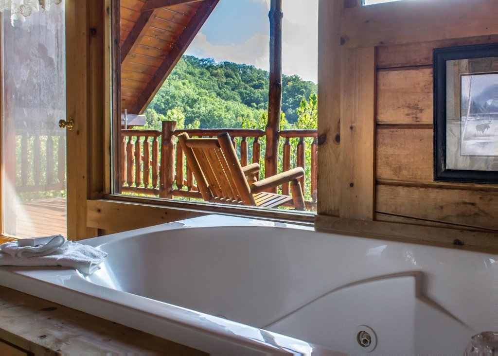 Photo of a Sevierville Cabin named Fox Ridge #37 - This is the nineteenth photo in the set.
