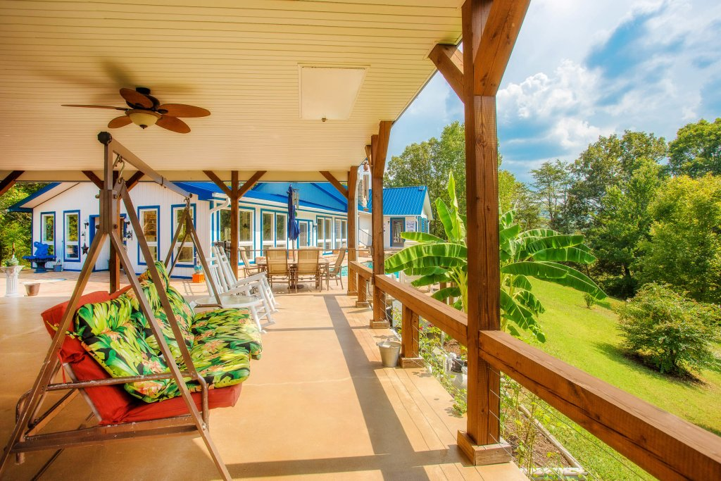 Photo of a Sevierville Cabin named Paradise Springs - This is the seventh photo in the set.
