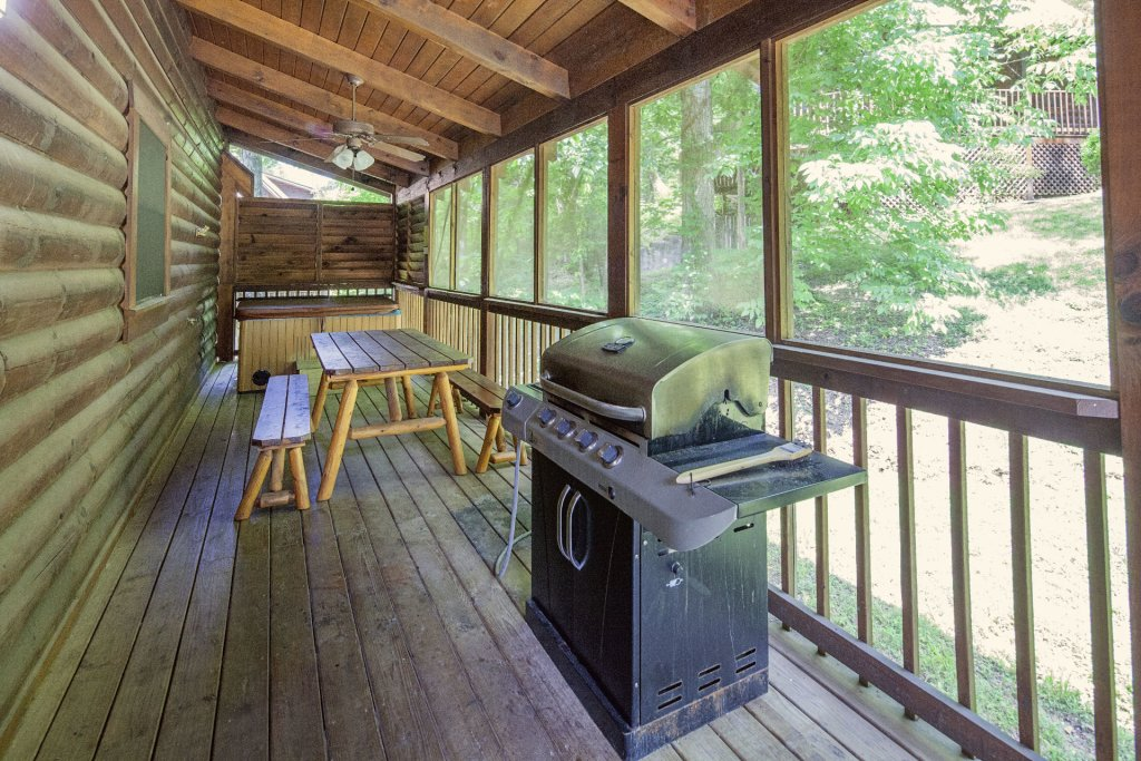 Photo of a Pigeon Forge Cabin named  Treasure Mountain - This is the twelfth photo in the set.