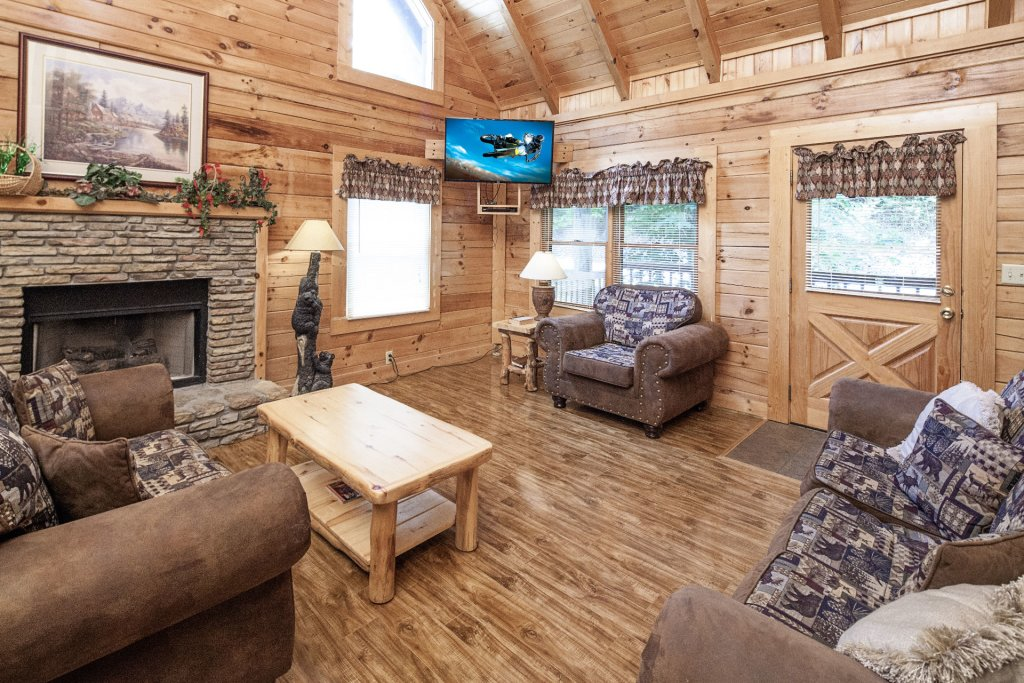 Photo of a Pigeon Forge Cabin named  Treasure Mountain - This is the third photo in the set.