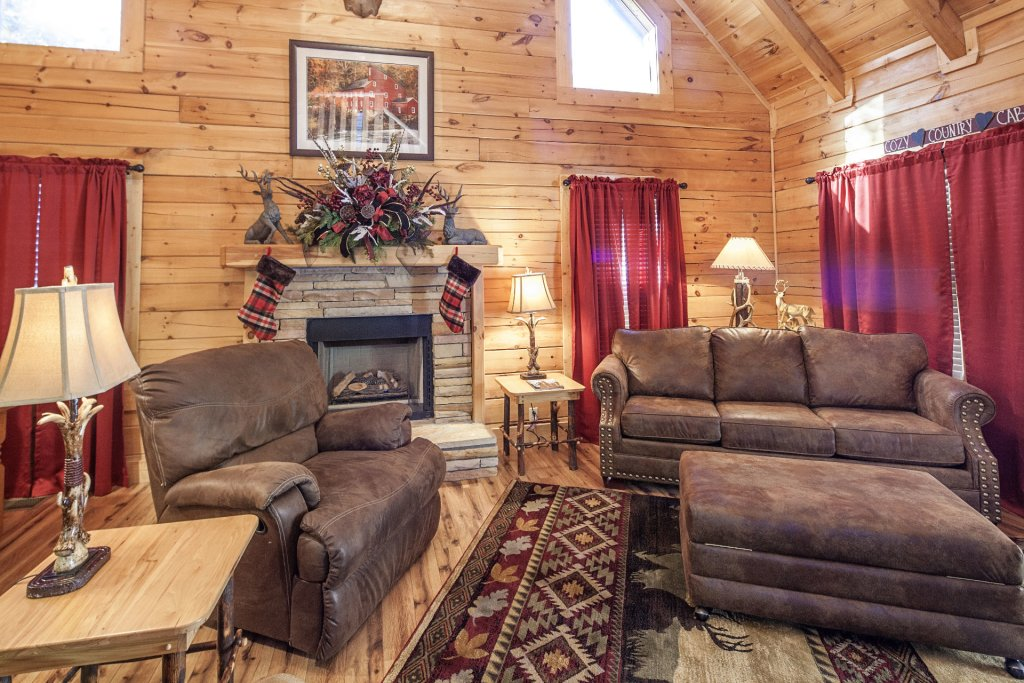 Photo of a Pigeon Forge Cabin named  Mountain Charm - This is the fifth photo in the set.