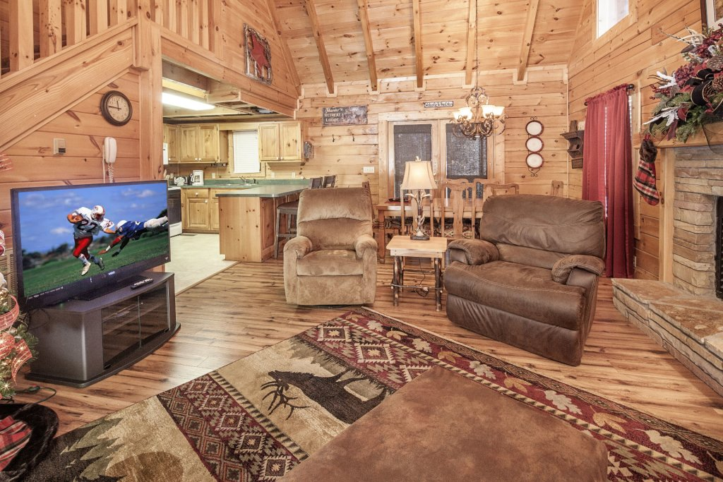 Photo of a Pigeon Forge Cabin named  Mountain Charm - This is the sixth photo in the set.