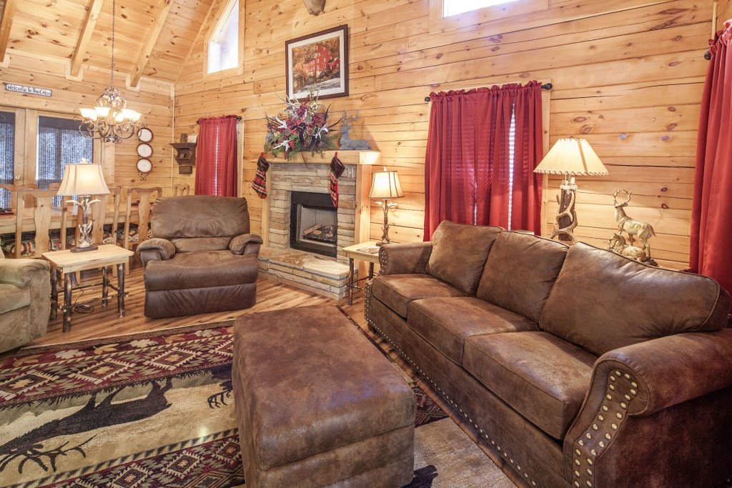 Photo of a Pigeon Forge Cabin named  Mountain Charm - This is the second photo in the set.