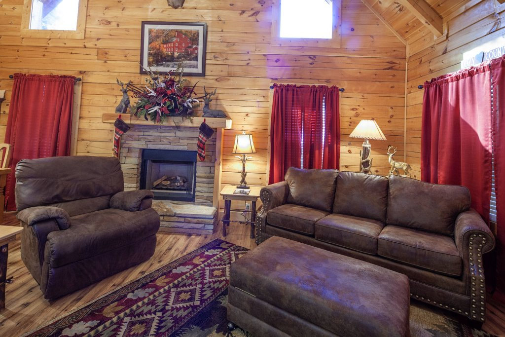 Photo of a Pigeon Forge Cabin named  Mountain Charm - This is the fourth photo in the set.