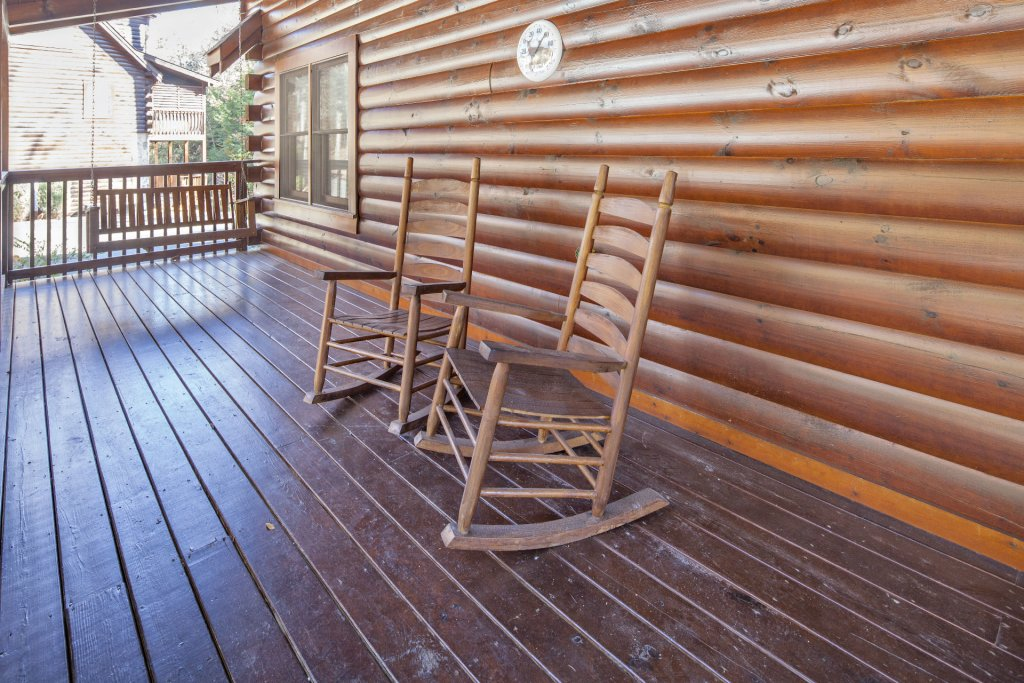 Photo of a Pigeon Forge Cabin named  Mountain Charm - This is the twentieth photo in the set.