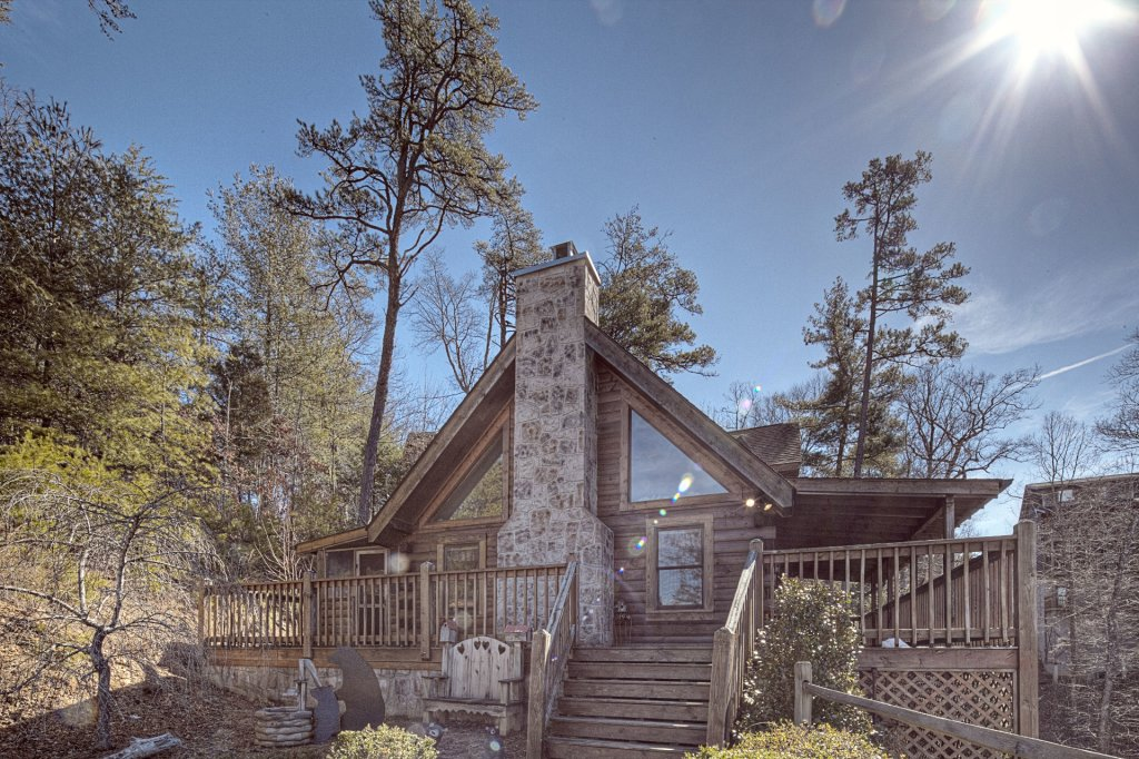 Photo of a Pigeon Forge Cabin named  Sleepy Bear - This is the first photo in the set.