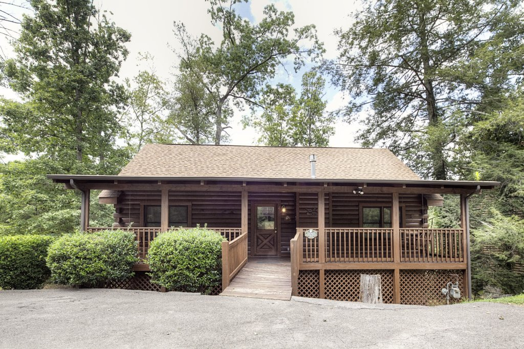 Photo of a Pigeon Forge Cabin named  Young's Hideaway - This is the twelfth photo in the set.
