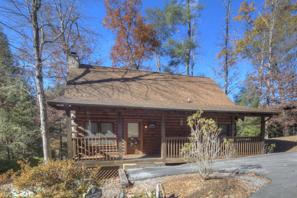 Photo of a Pigeon Forge Cabin named  Southern Comfort - This is the first photo in the set.