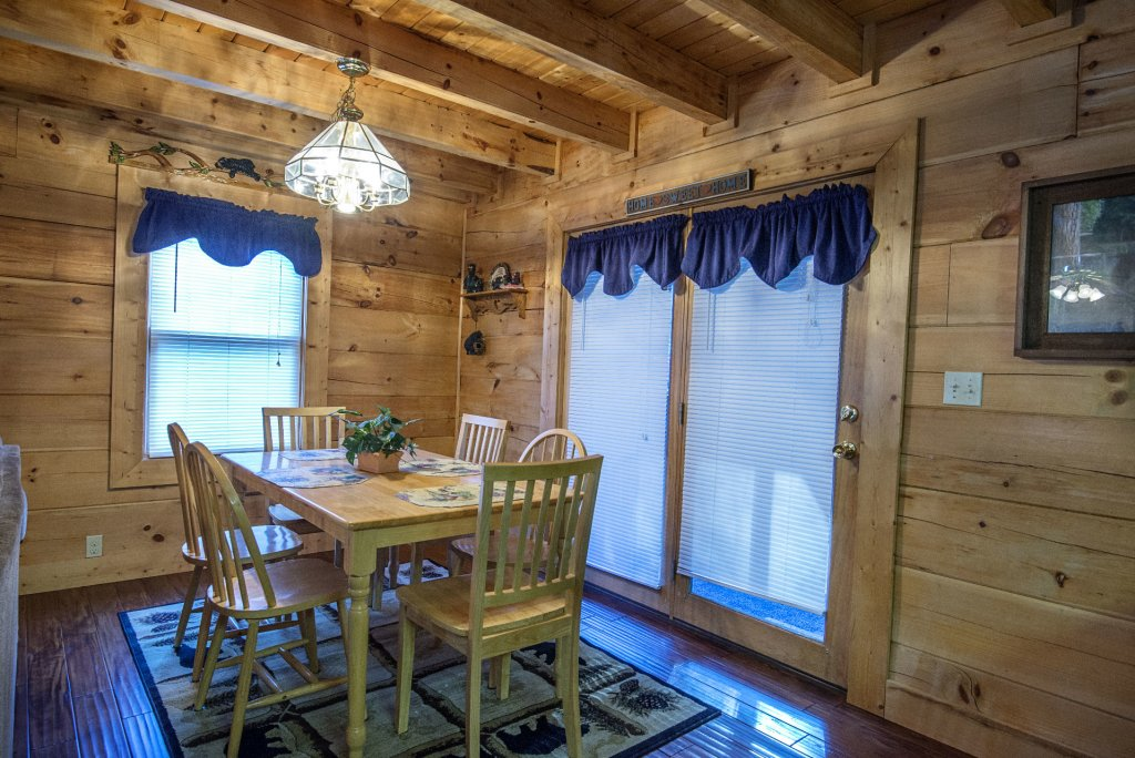 Photo of a Pigeon Forge Cabin named  Smoky Mountain Top - This is the ninth photo in the set.