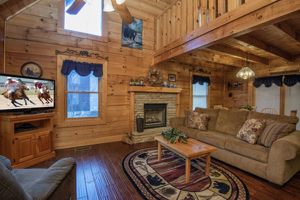 Photo of a Pigeon Forge Cabin named  Smoky Mountain Top - This is the third photo in the set.