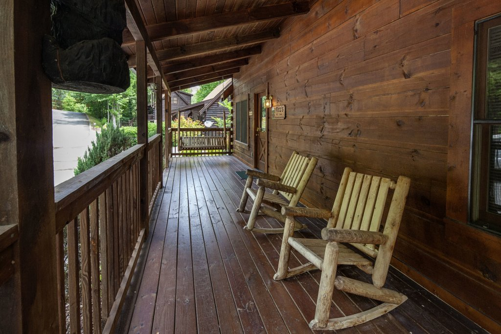 Photo of a Pigeon Forge Cabin named  Smoky Mountain Top - This is the eighteenth photo in the set.