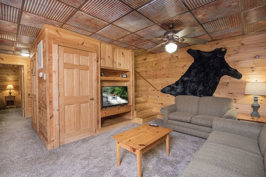 Photo of a Pigeon Forge Cabin named  Coal Miners Cabin - This is the seventeenth photo in the set.