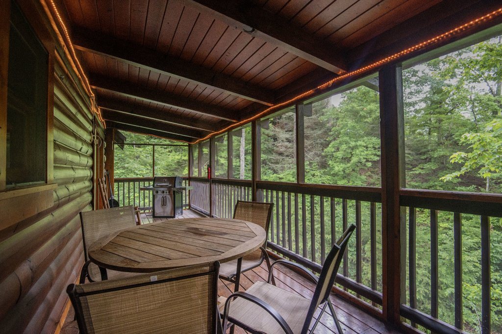 Photo of a Pigeon Forge Cabin named  Coal Miners Cabin - This is the thirty-second photo in the set.