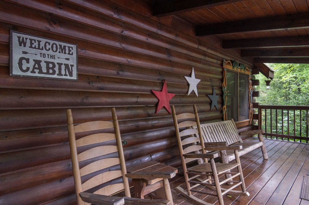 Photo of a Pigeon Forge Cabin named  Coal Miners Cabin - This is the thirty-fourth photo in the set.
